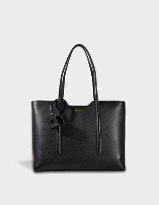 HUGO BOSS Taylor Shopper Bag in Black Grainy Calfskin