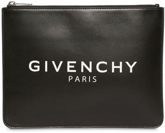 Givenchy (ジバンシイ) - GIVENCHY ロゴレザーポーチ
