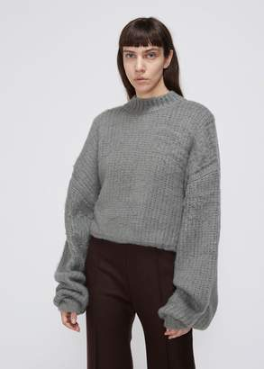 Low Classic Exaggerated Sleeve Knit