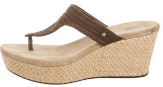 UGG Australia Suede Thong Sandals $65 thestylecure.com