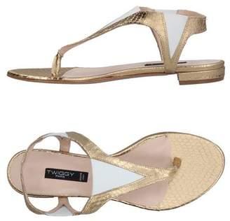 Twiggy Toe post sandal