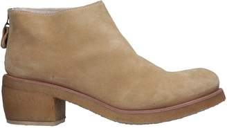 Punto Pigro Ankle boots