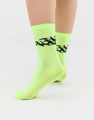 Asos DESIGN motif bright socks