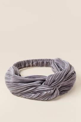 francesca's Francescas Albany Pleated Satin Headwrap - Gray
