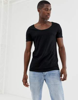 Asos DESIGN t-shirt with scoop neck in black