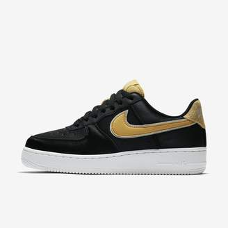Nike Force 1 '07 SE Suede Women's Shoe