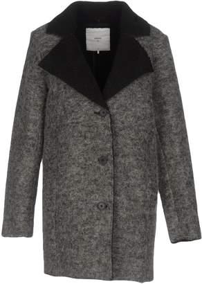 Minimum Coats - Item 41719814PA