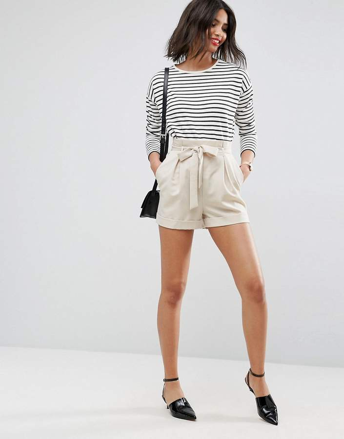 – Shorts mit Paperbag-Taille