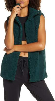 Zella Cozy High Pile Fleece Vest