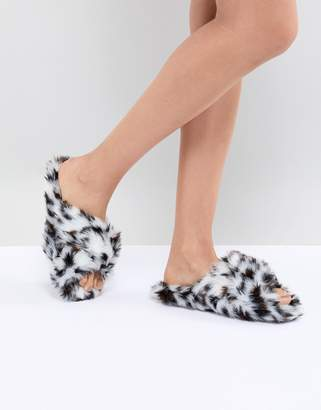 Neve Asos Design ASOS DESIGN Cross Strap Slider Slippers