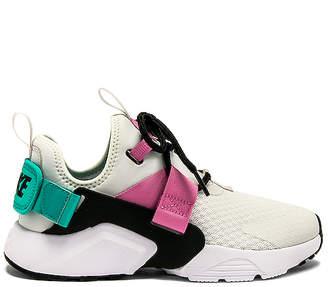 Nike Women's Air Huarache City Low Sneaker