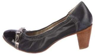 Attilio Giusti Leombruni Cap-Toe Leather Pumps