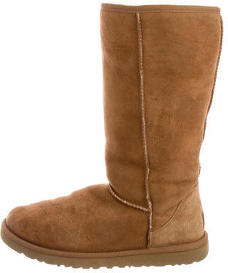 UGG Australia Suede Round-Toe Boots $95 thestylecure.com