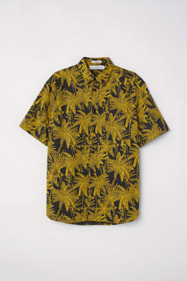 H&M Short-sleeve Shirt Regular fit - Black