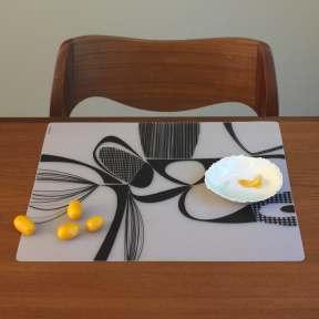 Modern-Twist Matrix Placemats