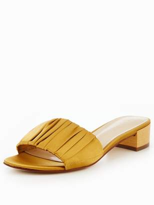 Nine West Rainese7 Ruched Open Toe Mule - Gold