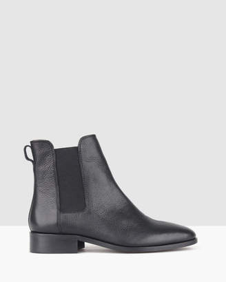 betts Dusty Leather Chelsea Boots