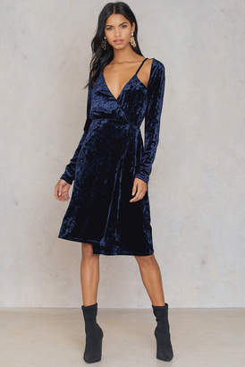 Na Kd Party Velvet Overlap Dress