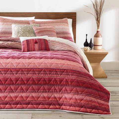 Azalea Skye Red Diya Quilt Set