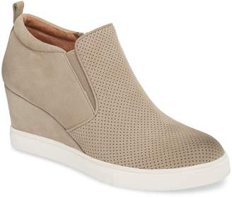 Caslon Aiden Wedge Sneaker