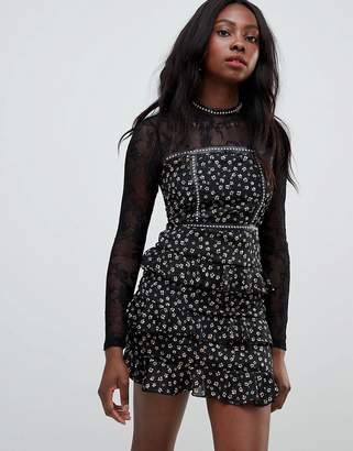 Glamorous daisy print skater dress with lace sleeves