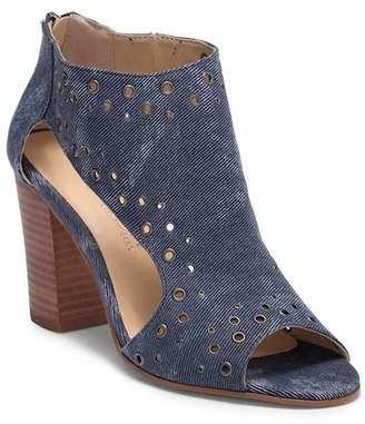 Very Volatile Tevy Grommet Block Heel Sandal