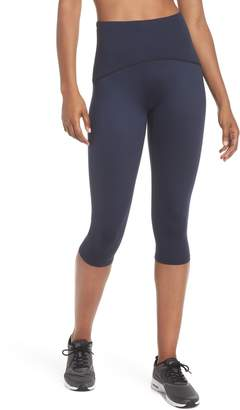 Spanx R) Active Knee-Length Leggings