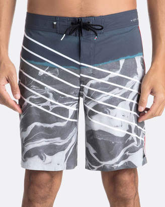 "Quiksilver Mens Highline Lava Slash 19"" Boardshort"