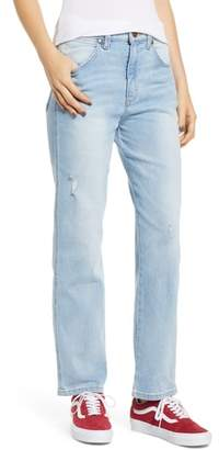 Wrangler Heritage Fit Straight Leg Jeans