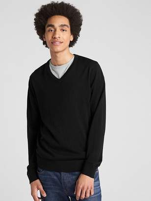 Gap V-Neck Pullover Sweater in Merino Wool