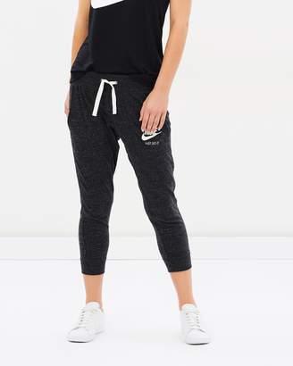 Nike Women's Sportswear Gym Vintage Capri