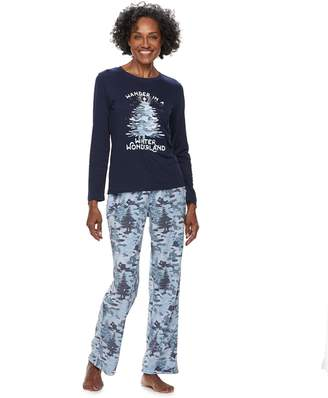 """Women's Jammies For Your Families Holiday Camouflage """"Wander in a Winter Wonderland"""" Top & Microfleece Bottoms Pajama Set"""