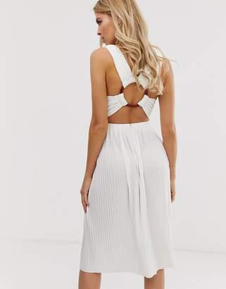 Asos Design DESIGN oversized tortoise ring back pleated midi dress