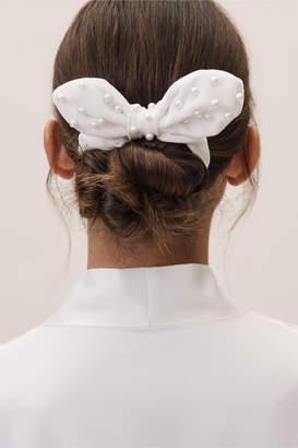 Lele Sadoughi Pearl Scrunchie