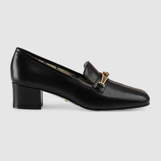 Gucci Leather pump with stripe