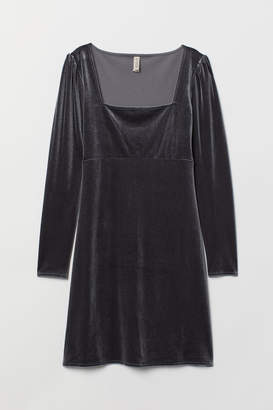 H&M Short Velvet Dress - Gray