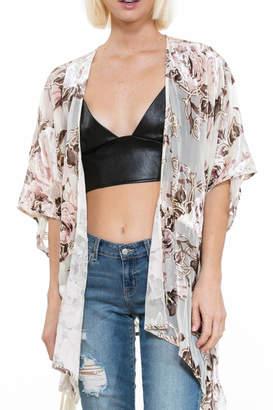 En Creme Floral Velvet Kimono