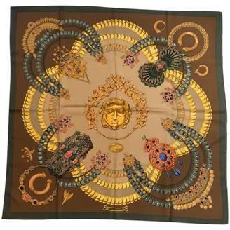 Hermes Vintage Carre 90 Khaki Silk Silk handkerchief