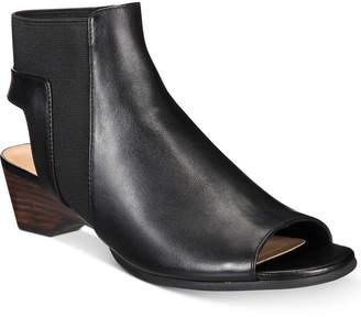 Bella Vita Parson Sandals Women's Shoes