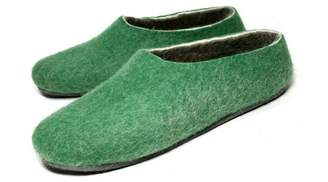 "Felt Forma Organic Wool Slippers ""Office Green"""