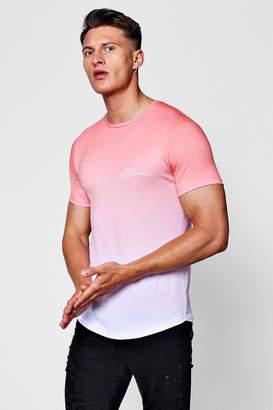 boohoo Muscle Fit Curved Hem Dip Dye MAN Signature T-Shirt