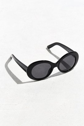 Urban Outfitters Plastic Oval Sunglasses $18 thestylecure.com