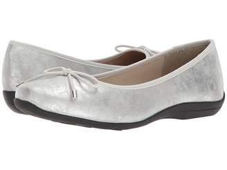SoftStyle Soft Style Heartbreaker Women's Slip on Shoes