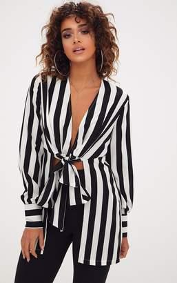 482c51c899eca6 PrettyLittleThing Monochrome Stripe Tie Front Longline Blouse