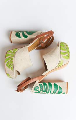 Show Me Your Mumu Dolce Vita ~ Lando Platform Heels ~ Palm Print