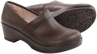 JBU by Jambu Cordoba Leather Clogs - Closed Back (For Women) $14.99 thestylecure.com