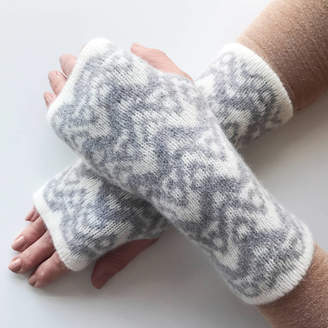 Little Knitted Stars Knitted Ladies Wrist Warmers Waves Pattern