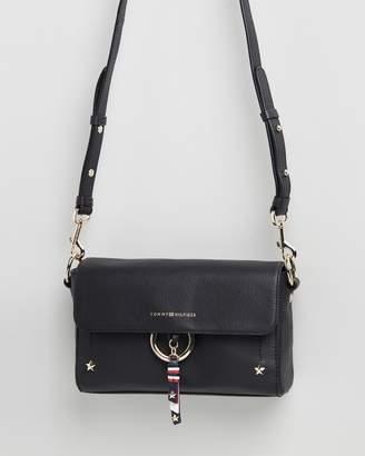 Tommy Hilfiger Heritage Leather Cross-Over Bag