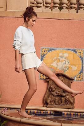 BDG Girlfriend High-Rise Distressed Denim Short – White