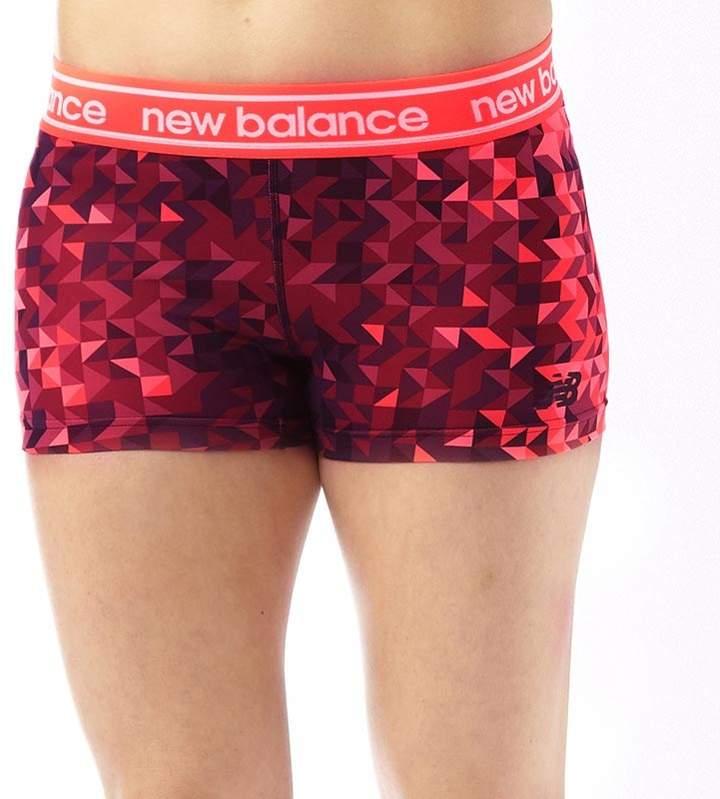 Damen Accelerate Printed Hot Shorts Lila